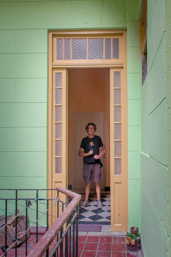 Check out that doorway. Love the buildings here in Havana.